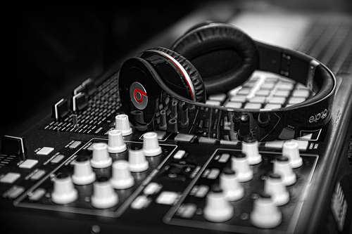 beats-headphones-music-photography-Favim.com-452641