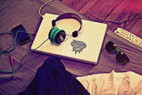 glasses-ipod-laptop-music-photography-Favim.com-223373